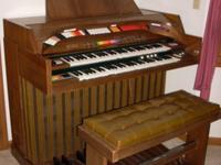 For sale, Kimball SynthaSwinger 1700 electronic organ,