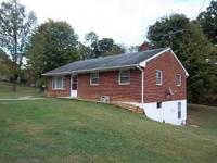 Must see this cozy ranch located in Botetourt County.