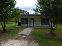 1561 HARGROVE LOOP Cute cottage on 1.18 acres. Great