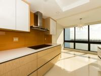 Beautiful Flow-through, Totally renovated Residence in
