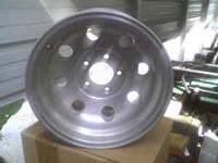 i have a set of 15x8 alum wheels they are 5 lug 4.75