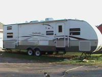 2008 Sidney outback made by keystone. 31RQS. 31 FT.