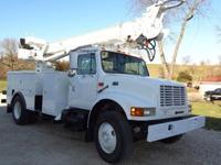 98 INT 4700 Digger TruckT444E 7 speed 83,192 orig miles