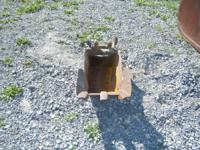 "16 "" DITCHING BUCKET FITS OLDER FORD BACKHOE. 1.5"" PIN"