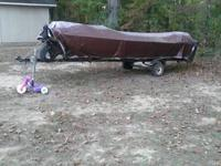 have a 16' flat bottom lowe line boat, it has a early