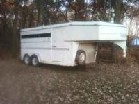 2001 Trails West Horse Trailer. 16' Goose neck stock