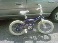 im selling a 16 inch girls bratz bike, has a little