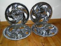 - Set of 4 wheel covers - snap on - hardly used - orig.