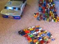 160 hot wheels with a hot wheel case. Call . Obo