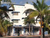 South Beach Studio One Block From Ocean Light, cheery,