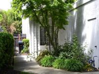 Beautiful townhouse in great Heritage Park has