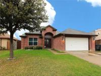 1612 Stonefield Ln 4/2/2. Beautiful home features