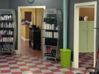 Turn-key Salon Space readily available For Lease. 1,650