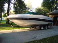 1999 four winns 245 sundowner 7.4 volvo penta EFI,