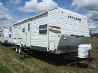 2010 FOREST RIVER SALEM 28/T31 , WHITE, 2010 SALEM