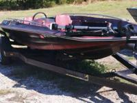 1982 17' Angler has a good trailer, floor, transom,