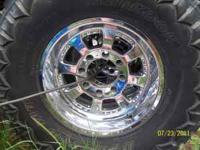 Good set of 17 in chrome rims for superduty lug