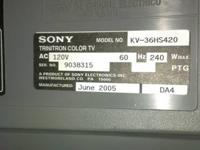"Brown 17"" Sony KV-1770R Trinitron analog CRT color TV,"