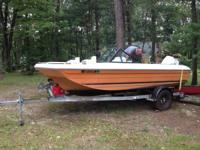 Selling my 17' Rinker tri-hull boat, motor, and