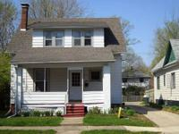 Great 4 bedroom/2.5 bath house close to U of I campus,