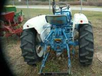 1700 FORD TRACTOR, E.C.3 PT HITCH 2 CYCLINDER 2500 OBO