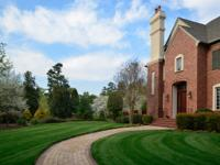 This magnificent golf estate, on over 3 professionally