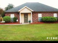 Clean house situated in Pineridge Subdivision. Granite