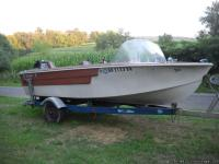 17ft Starcraft fiberglass fishing boat with