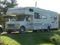 Class C Motorhome in great condition. Very low mileage