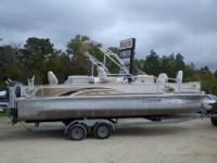 For sale is a 2008 G3 Fish and Cruise LX 22 with a 90hp