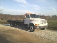 1997 International Rollback Tow Truck4700 SeriesDT 466