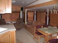 FOR SALE 1998- 38 FT AVION FLEETWOOD 5TH WHEEL 3/SLIDES