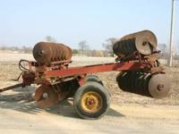 For Sale: IH 18' Disc Model 470 in good condition.