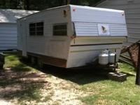 Great bit 18' camper trailer furnished for basic use -