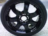 VERY NICE 18'RIMS 5 LUGS UNIVERSAL, 2 OF THE RIMS HAVE