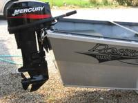 comes with 25 HP Mercury Outboard motor, rowing seat,