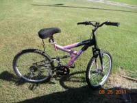 Pink 18 speed youth bike for sale. Gel seat included.