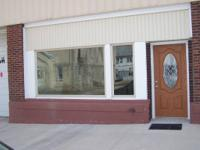 Retail or Office space in downtown Le Roy. 500 square