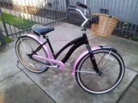 Selling a women's Hampton Cruiser. In good condition,
