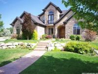 Elegant estate of .53 acre on quiet cul de sac, Custom