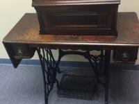 1889 singer sewing machine, beautiful condition! This