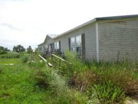 Doublewide mobile home for sale:  1997 Southern 28x64