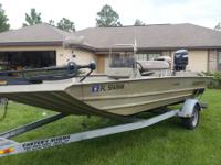 This is my 2007 Alumacraft 18ft CC tunnel hull that