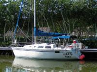 1992 Hunter 28 foot sailboat. 28 model with the swim