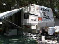 Puma 2009 39ft Travel Trailer Two bedroom KING and
