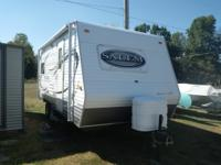 19 ft Salem bumper pull travel trailer.  Excellant