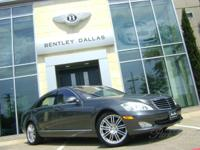 26,970 Miles designo Graphite Metallic Exterior with