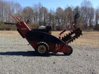 "36"" digging depth 13 hp gas engine. 1900 Ditch Witch"