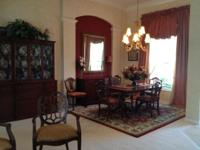 All original solid mahogany Dining Set Breathtaking