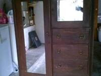 1923 pine wood chifforobe in great condition....owner